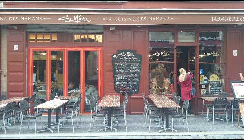 Restaurant Pres Place Belleciour